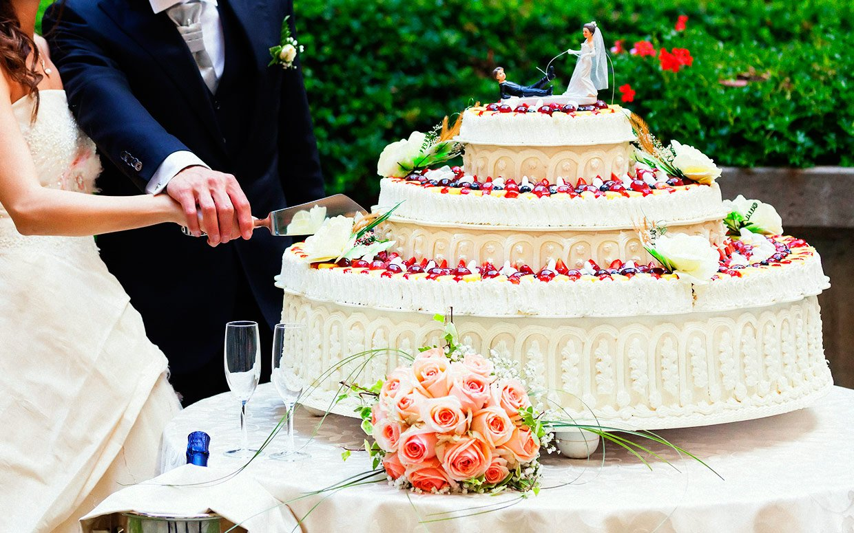 Background wedding cake beths bake shoppe tea room background wedding cake junglespirit Gallery